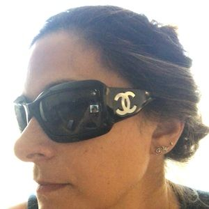 CHANEL Accessories - Channel sunglasses with mother of pearl detail